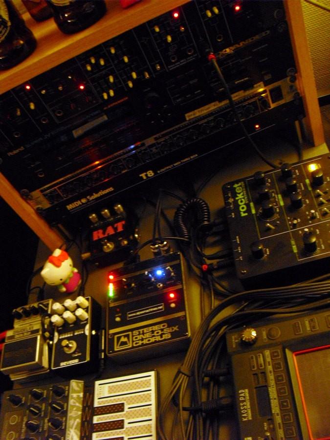 https://medias.audiofanzine.com/images/thumbs3/studio-home-studio-2782991.jpg