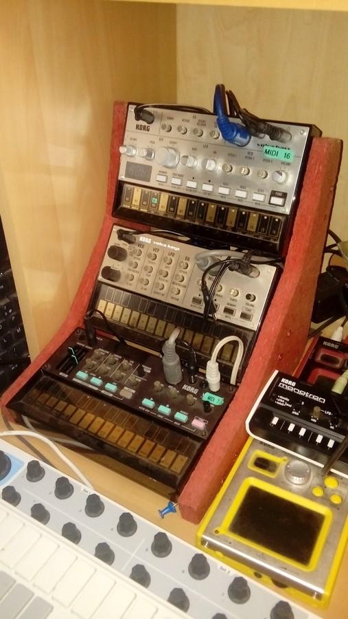 https://medias.audiofanzine.com/images/thumbs3/studio-home-studio-2822867.jpg