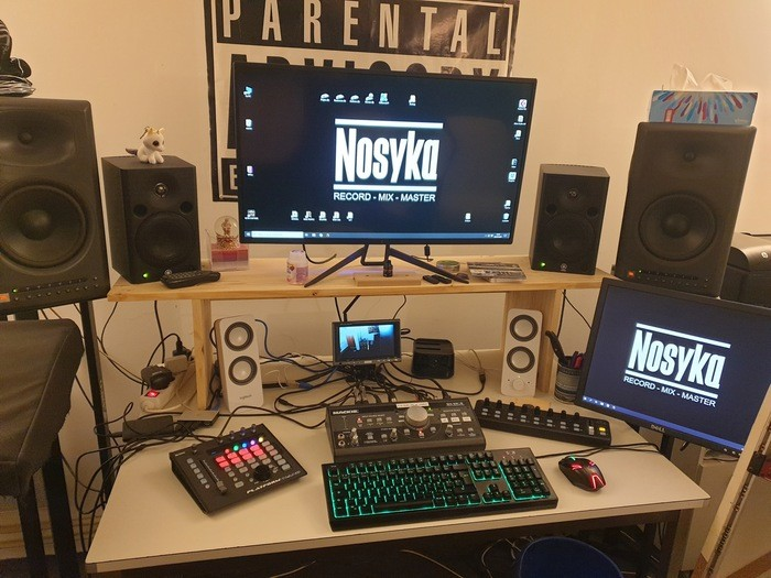 https://medias.audiofanzine.com/images/thumbs3/studio-home-studio-2937774.jpg