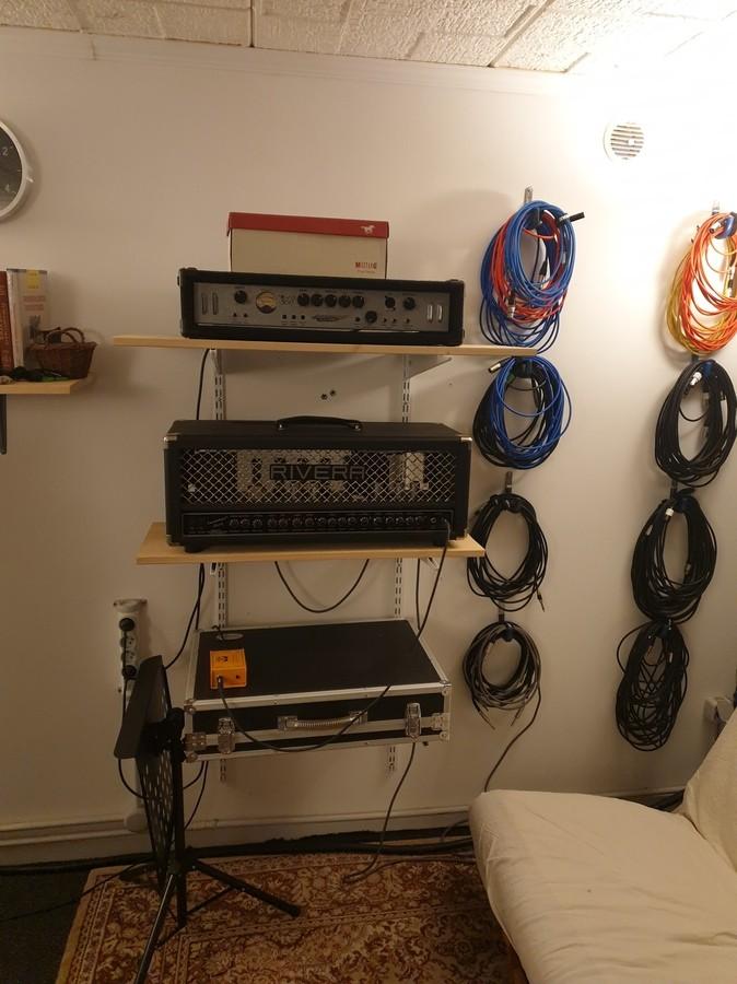 https://medias.audiofanzine.com/images/thumbs3/studio-home-studio-2937777.jpg