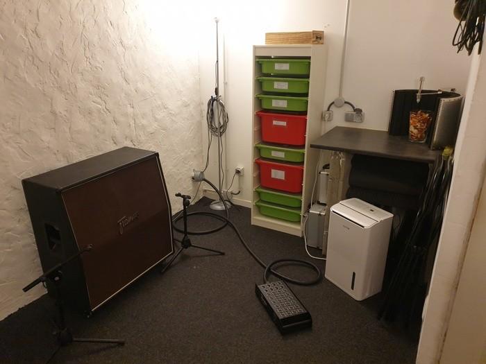 https://medias.audiofanzine.com/images/thumbs3/studio-home-studio-2937779.jpg