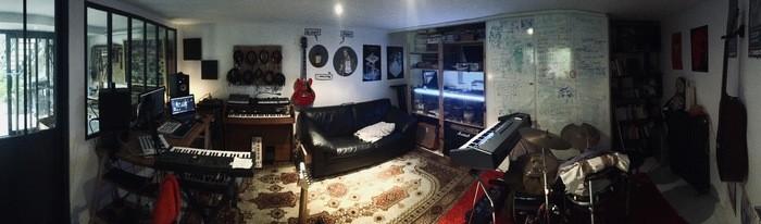https://medias.audiofanzine.com/images/thumbs3/studio-home-studio-2955903.jpg