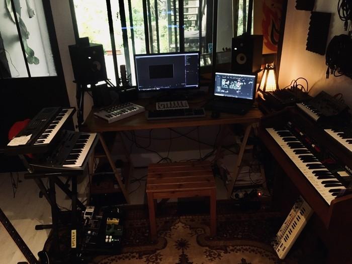 https://medias.audiofanzine.com/images/thumbs3/studio-home-studio-2955905.jpg