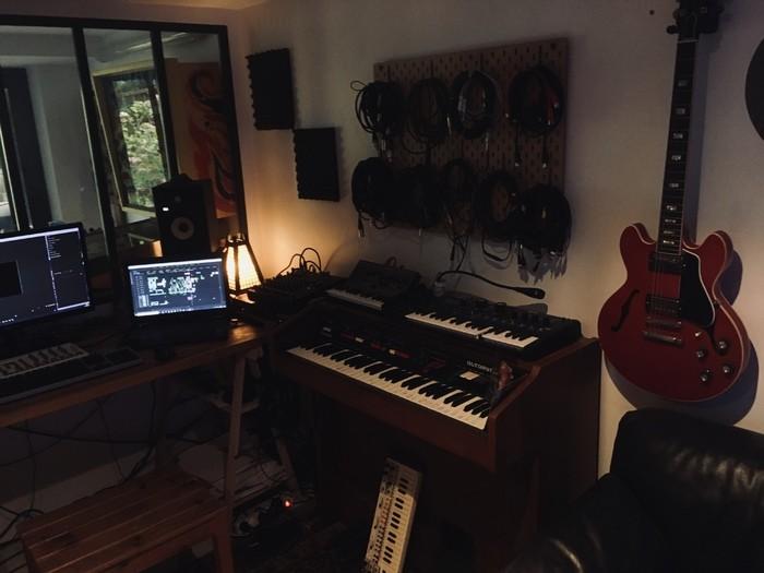 https://medias.audiofanzine.com/images/thumbs3/studio-home-studio-2955910.jpg