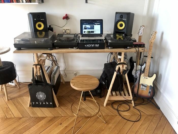 https://medias.audiofanzine.com/images/thumbs3/studio-home-studio-2981862.jpg