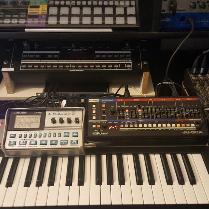 https://medias.audiofanzine.com/images/thumbs3/studio-home-studio-2984343.jpg