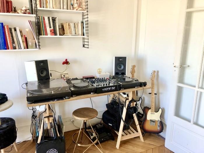 https://medias.audiofanzine.com/images/thumbs3/studio-home-studio-2986527.jpg