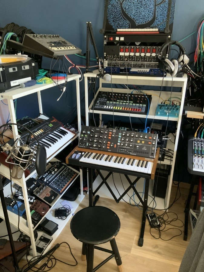 https://medias.audiofanzine.com/images/thumbs3/studio-home-studio-2987324.jpg