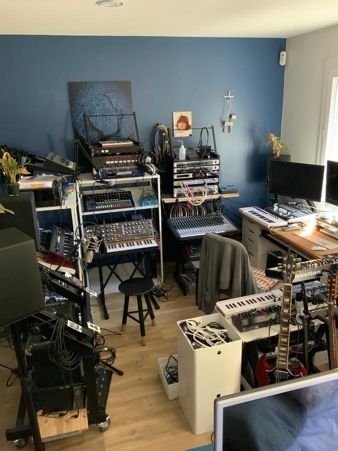 https://medias.audiofanzine.com/images/thumbs3/studio-home-studio-2987326.jpg