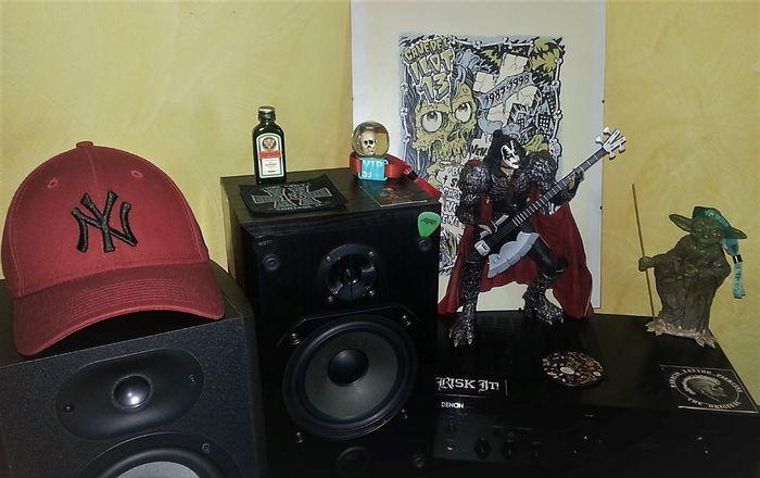 https://medias.audiofanzine.com/images/thumbs3/studio-home-studio-3049760.jpg