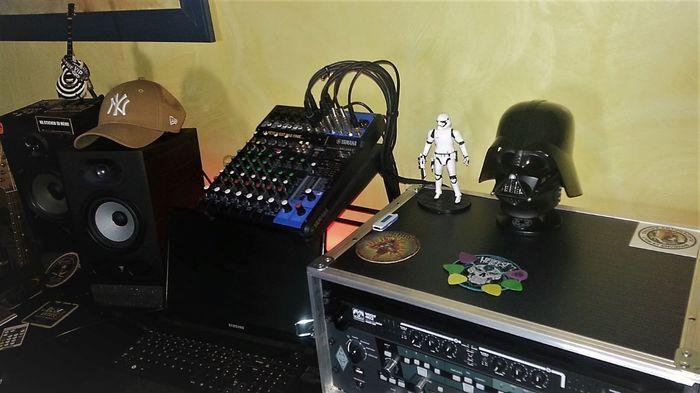 https://medias.audiofanzine.com/images/thumbs3/studio-home-studio-3049761.jpg