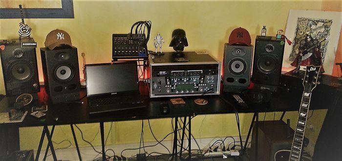 https://medias.audiofanzine.com/images/thumbs3/studio-home-studio-3049762.jpg