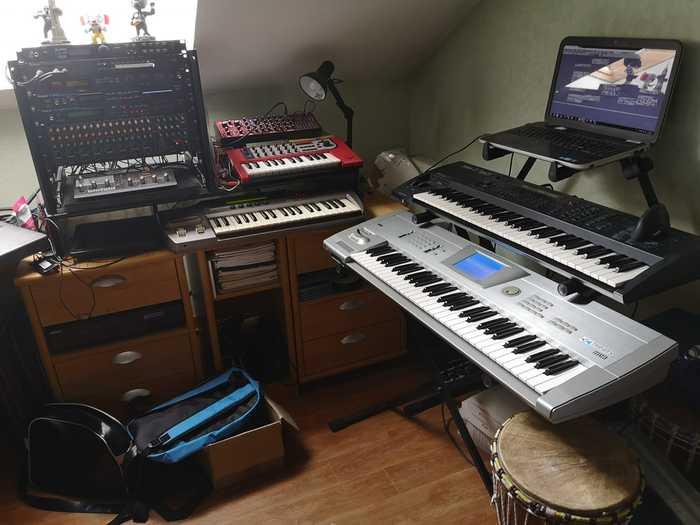 https://medias.audiofanzine.com/images/thumbs3/studio-home-studio-3049892.jpg