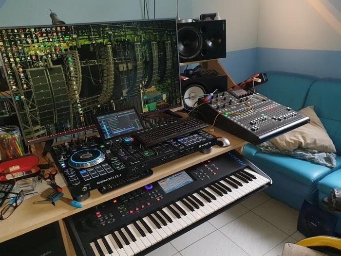 https://medias.audiofanzine.com/images/thumbs3/studio-home-studio-3167498.jpg