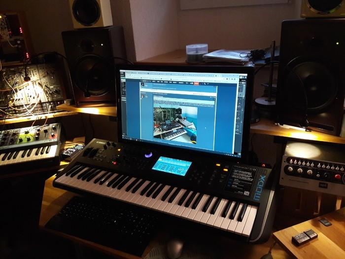 https://medias.audiofanzine.com/images/thumbs3/studio-home-studio-3167528.jpg