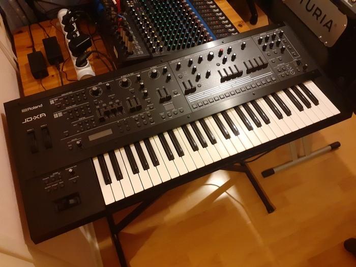 https://medias.audiofanzine.com/images/thumbs3/studio-home-studio-3611048.jpg