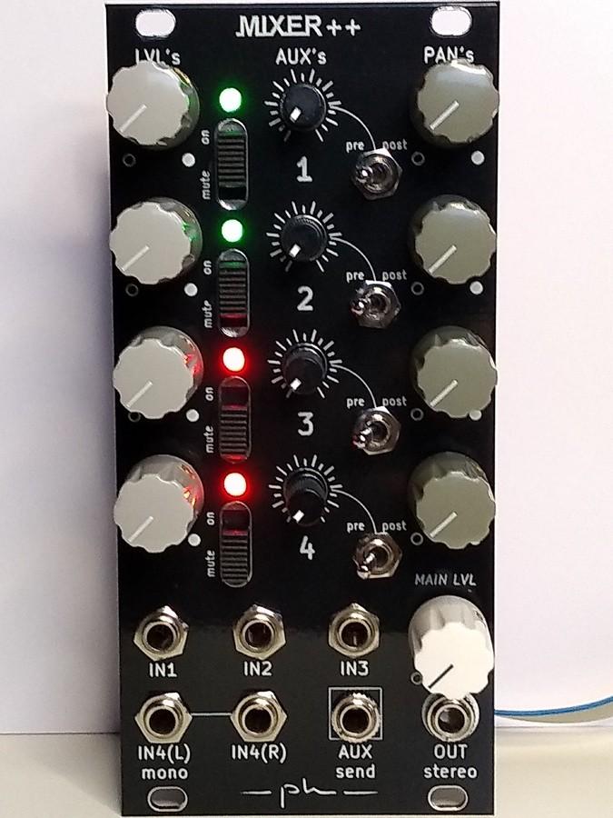 https://medias.audiofanzine.com/images/thumbs3/synthetiseurs-modulaires-2689282.jpg
