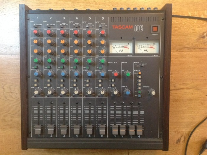 Tascam M-106 (73858)