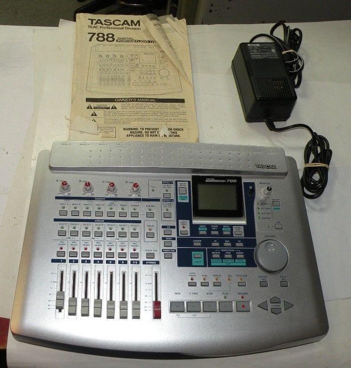 Tascam Portastudio 788 (6713)