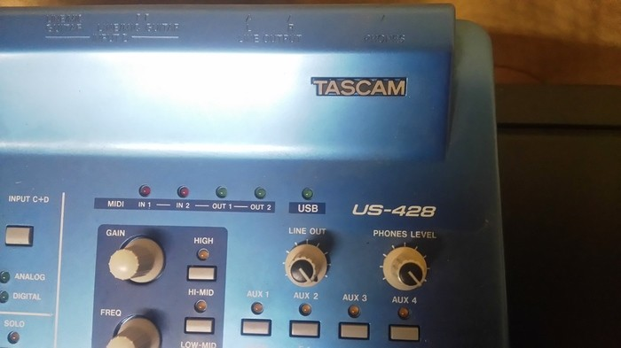 Tascam US-428 (34545)