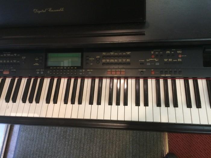 Vends piano electrique technics sx pr600 champagne for Piano electrique