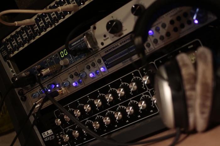 TL Audio A4 Discrete Class A 16:2 Summing Mixer ALM-Tsarital images