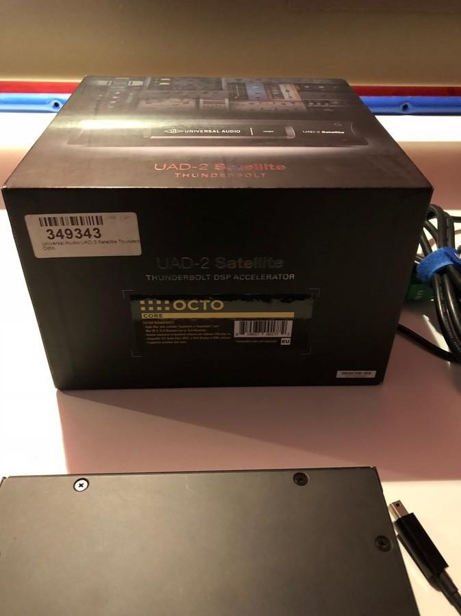 Universal Audio UAD-2 Satellite Thunderbolt - Octo Core (91900)