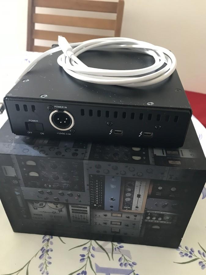 Universal Audio UAD-2 Satellite Thunderbolt - QUAD Core (27138)