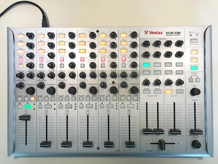 Vestax VCM-600 (38325)