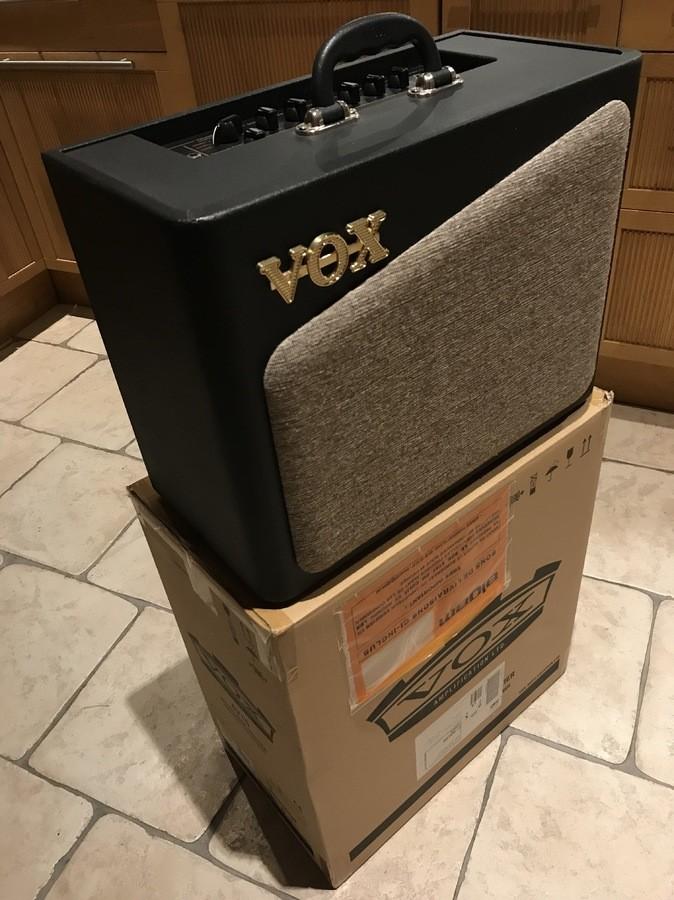 Vox AV15 (23890)