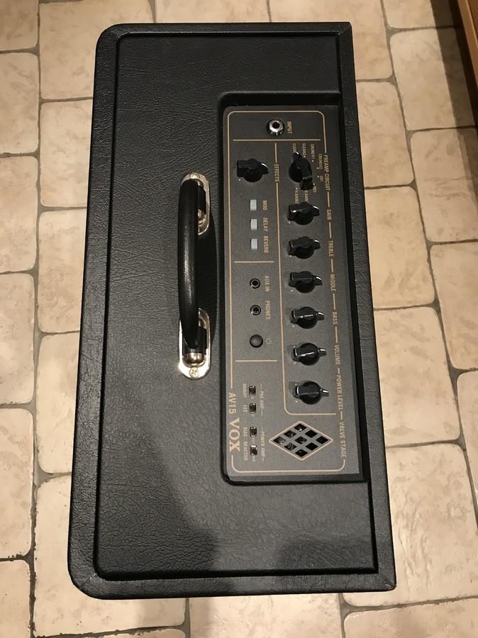 Vox AV15 (73690)
