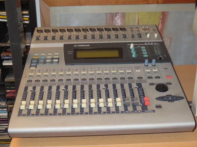 photo yamaha 01v : yamaha table de mixage 01v (#739778) - audiofanzine