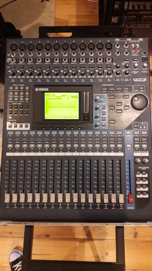 Table de mixage yamaha 01v96vcm avec fly et carte d - Table de mixage numerique yamaha ...
