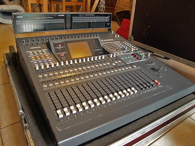 Yamaha 02R V2 (5849)