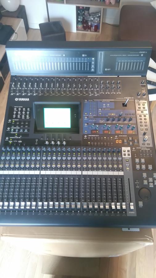 Vend table de mixage yamaha 02r96v2 ile de france - Table de mixage numerique yamaha ...