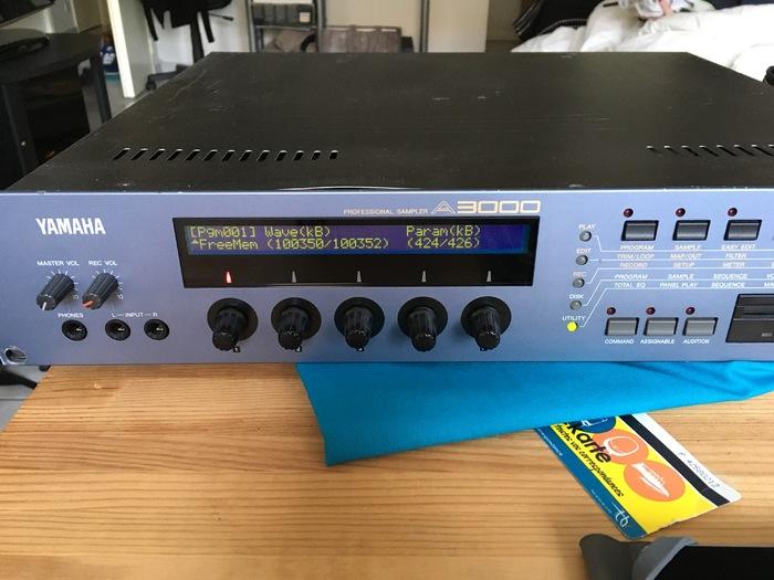 Yamaha A3000 V2 lokaz33 images