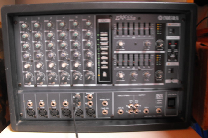Vends table de mixage 2 enceintes yamaha haute normandie audiofanzine - Table de mixage amplifiee yamaha ...