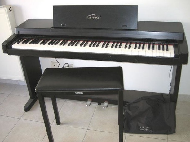 Yamaha clp 300 image 76345 audiofanzine for Yamaha clavinova price list
