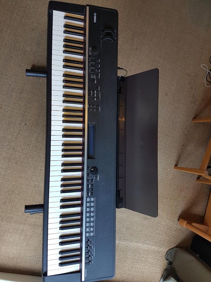 Yamaha cp4 stage image 1688397 audiofanzine for Yamaha cp4 weight