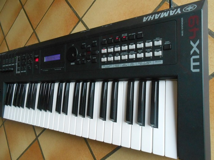 Yamaha MX49 (61159)