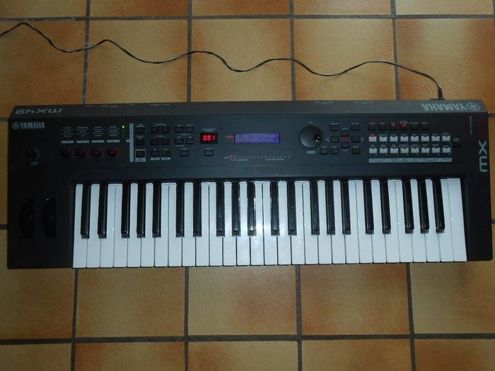 Yamaha MX49 (38124)