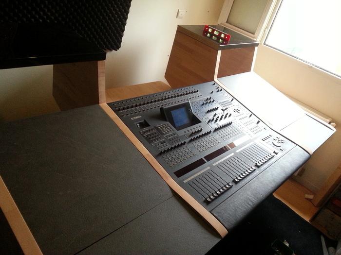 yamaha dm2000 v2 image 1646499 audiofanzine. Black Bedroom Furniture Sets. Home Design Ideas