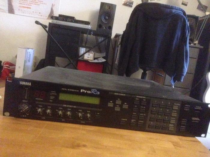 Yamaha PRO R3 (34551)