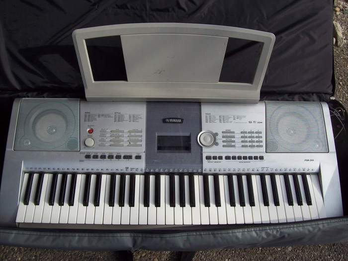 Yamaha psr 295 image 180225 audiofanzine for Yamaha clp 295