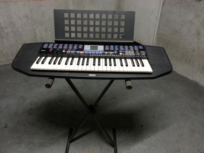 Photo yamaha psr 78 yamaha piano 720197 audiofanzine for Yamaha m1 piano