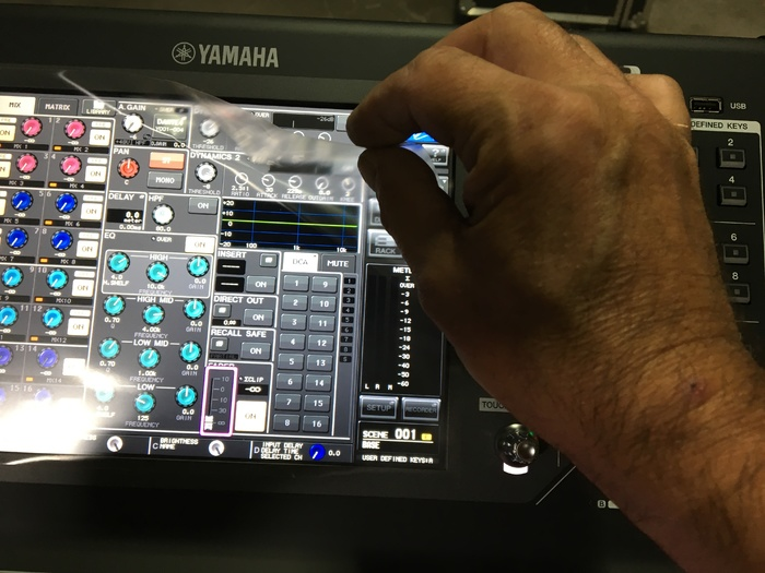 Photo yamaha ql1 yamaha ql1 55968 1859586 for Yamaha ql 3