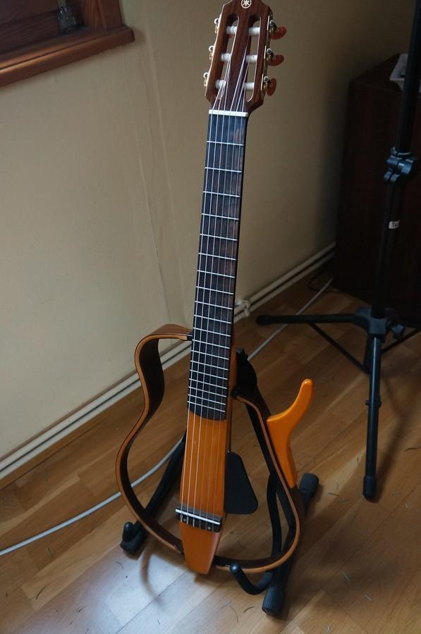 Yamaha SLG130NW (63194)