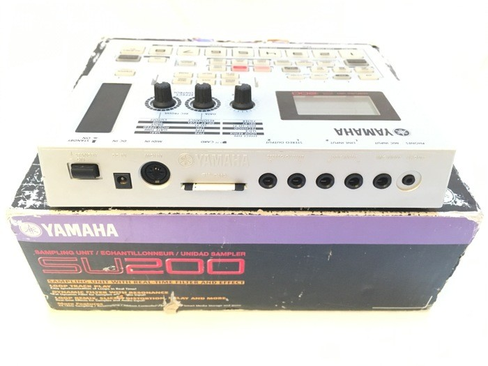 Photo Yamaha SU200 de flyprod