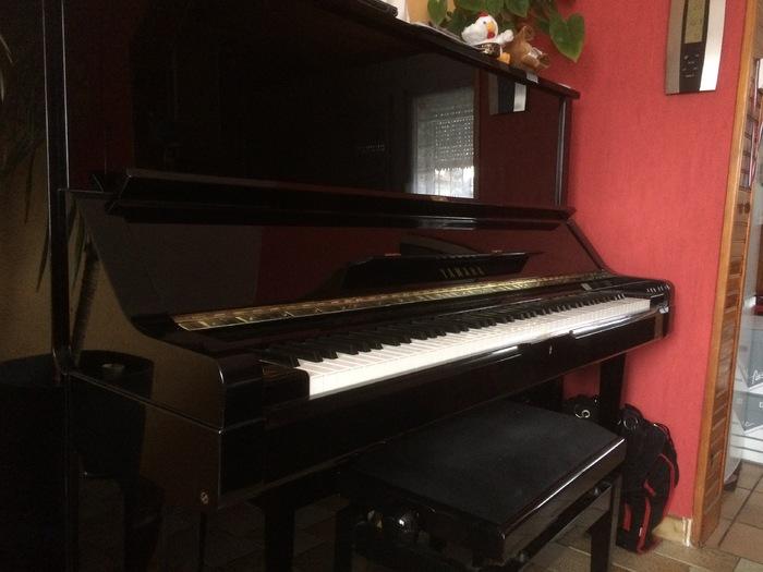Photo yamaha u3 yamaha u3 68922 1059477 audiofanzine for Yamaha m1 piano
