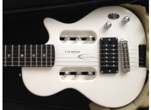 Traveler Guitar EG-1 Standard - Red Satin